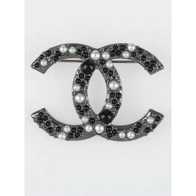 Chanel Black/White Beaded CC Brooch