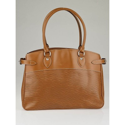 Louis Vuitton Cannelle Epi Leather Passy Bag