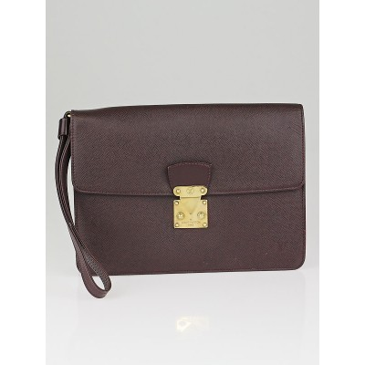 Louis Vuitton Bordeaux Taiga Leather Kourad Clutch Bag