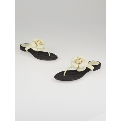 Chanel Black Rubber Camellia Flower Thong Sandals Size 6.5/37