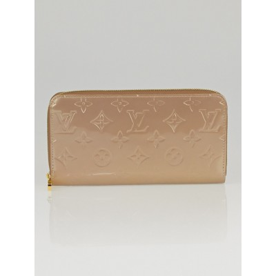 Louis Vuitton Beige Poudre Monogram Vernis Zippy Wallet