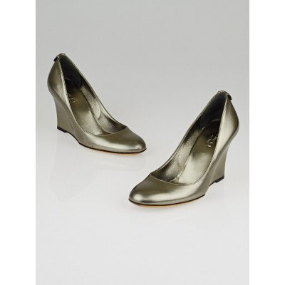 Gucci Silver Metallic Leather Wedges Size 5.5B