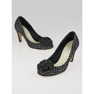 Chanel Black/White Tweed Ruffle Pumps Size 9/39.5