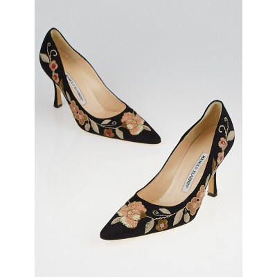 Manolo Blahnik Black Canvas Floral Kayal Pumps Size 6.5/37