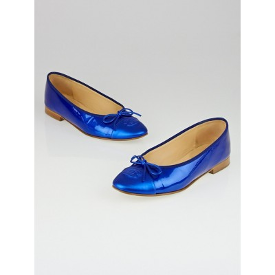 Chanel Blue Patent Leather CC Cap Toe Ballet Flats Size 7.5/38