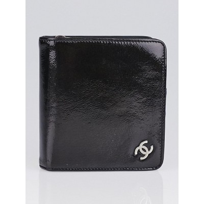 Chanel Black Patent Leather CC Zip Compact Wallet