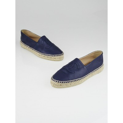 Chanel Navy Blue Lambskin Leather CC Espadrille Flats Size 8.5/39