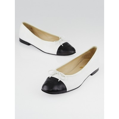 Chanel White/Black Leather CC Cap Toe Ballet Flats Size 7.5/38