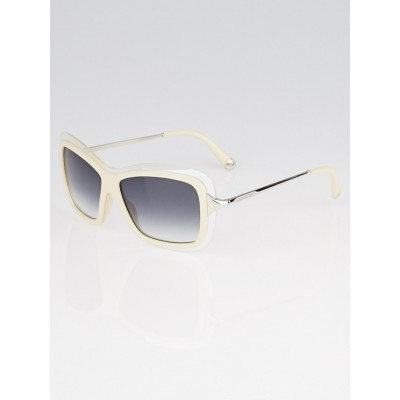 Louis Vuitton Cream Resin Frame Poppy Sunglasses- Z0390W