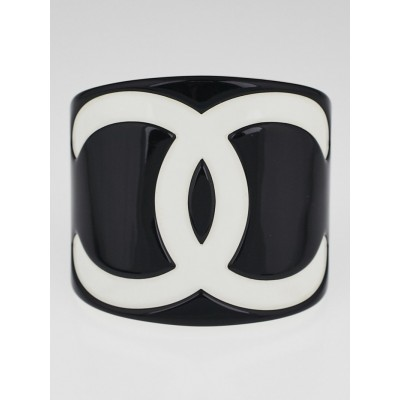 Chanel Black/White Resin CC Logo Cuff Bracelet