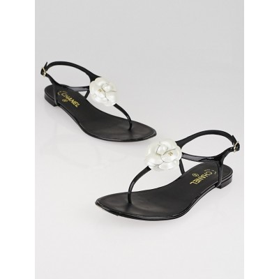 Chanel White and Black Patent Leather Camellia Flower Thong Sandals Size 10.5/41