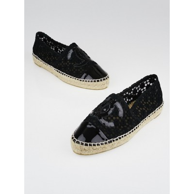 Chanel Black Lace and Patent Leather CC Espadrille Flats Size 7.5/38