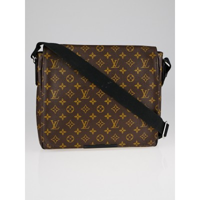 Louis Vuitton Monogram Canvas District MM Messenger Bag