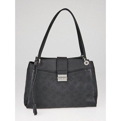Louis Vuitton Black Mahina Leather Sevres Bag