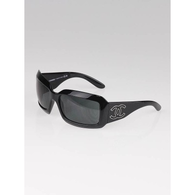 Chanel Black Frame CC Logo Sunglasses 6022-Q