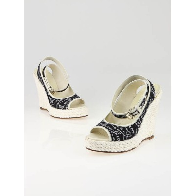 Gucci Navy and White Canvas Lifford Espadrille Wedges Size 7.5