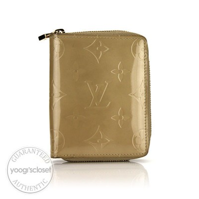 Louis Vuitton Beige Monogram Vernis Compact Zippy Wallet