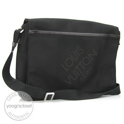 Louis Vuitton Black Damier Messager Messenger Bag