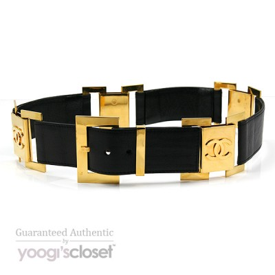 Chanel Black Leather and Goldtone Link Belt