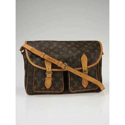 Louis Vuitton Monogram Canvas Messenger Bag