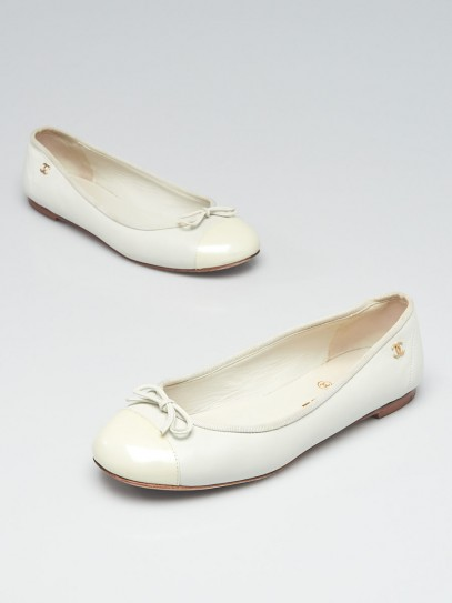 Chanel White Leather Cap Toe CC Ballet Flats Size 6/36.5C