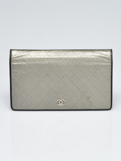 Chanel Silver/Black Quilted Leather L Yen Wallet