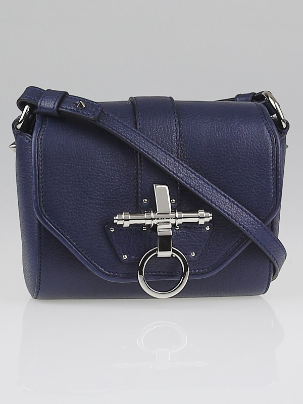 Givenchy crossbody bag givenchy bags outlet online for Givenchy outlet online