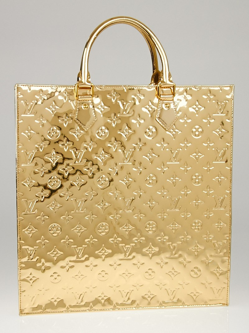 Louis vuitton limited edition gold monogram miroir sac for Louis vuitton miroir bags