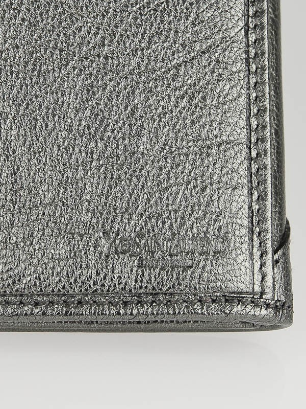 Yves Saint Laurent Silver Metallic Leather Muse Portefeuille ...