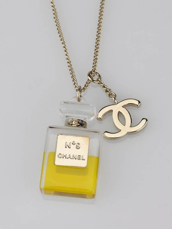 chanel no 5 perfume bottle charm necklace yoogi s closet