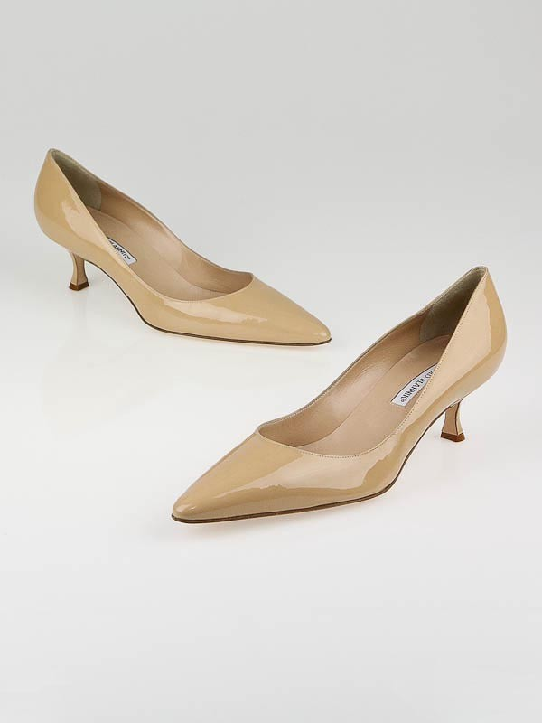 Manolo Blahnik Beige Patent Leather Srila Kitten Heel Pumps Size ...