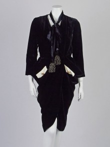Chloe Black Velvet Long Sleeve Wrap Dress Size 4/36
