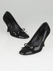 Chanel Black Suede and Patent Leather Cap Toe Pumps Size 6.5/37