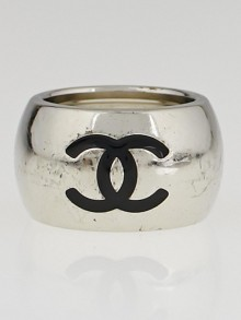 Chanel Black Resin and Metal Heart CC Logo Ring Size 6