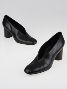 Celine Black Leather V Neck Pumps Size 9/39.5