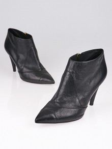 Chanel Black Leather Pointed Toe Faux Pearl Ankle Boots Size 7/37.5