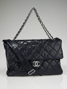 Chanel Navy Blue Quilted Glazed Caviar Leather Messenger  Bag